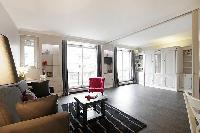 cool access to the balcony of Trocadero - Sablons luxury apartment