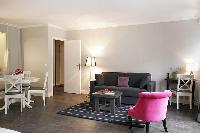 nice sitting area in Trocadero - Sablons luxury apartment
