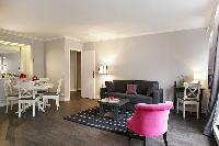 nice living room of Trocadero - Sablons luxury apartment