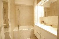 nice bathroom interiors of Trocadero - Sablons luxury apartment