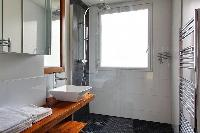 clean lavatory in Trocadero - Poincare luxury apartment