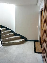 cool staircase of Trocadero - Poincare luxury apartment