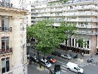 vibrant neighborhood of Trocadero - Poincare luxury apartment