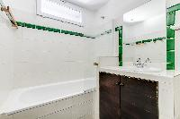 nice bathroom with tub in Saint Germain des Prés - Penthouse View luxury apartment