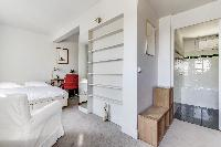 nice en-suite bathroom in Saint Germain des Prés - Penthouse View luxury apartment