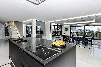 awesome kitchen island in Trocadero - Mandel 4 bedrooms luxury apartment