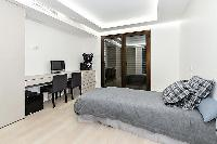nice bedroom furnishings in Trocadero - Mandel 4 bedrooms luxury apartment