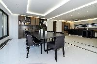 spacious Trocadero - Mandel 4 bedrooms luxury apartment