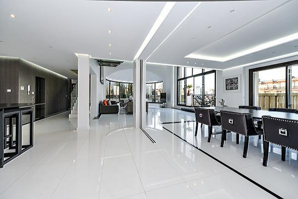 awesome dining room of Trocadero - Mandel 4 bedrooms luxury apartment
