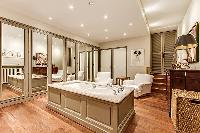well-appointed Trocadero - Sheffer luxury apartment