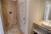 neat and nice bathroom in Rome Vatican I luxury apartment luxury apartment