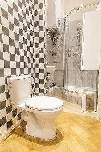 nice checkerboard bathroom tiles in Cannes - Carnot luxury apartment