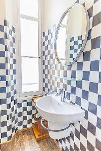 cool lavatory in Cannes - Carnot luxury apartment