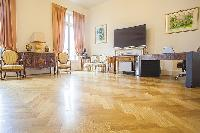 cool herringbone wooden flooring in Cannes - Carnot luxury apartment