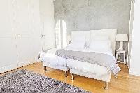 amazing king-size bed in Cannes - Church (Eglises) luxury apartment
