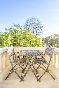 pretty balcony of Cannes - Church (Eglises) luxury apartment