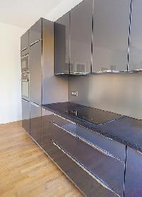 modern kitchen cabinets in Cannes - Church (Eglises) luxury apartment