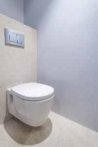 neat and trim toilet in Cannes - Palm Eden luxury apartment