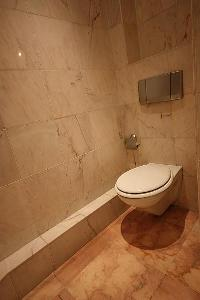 neat and clean toilet in Cannes - Les Dunes luxury apartment