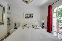 clean and crisp bedroom linens in Cannes - Mahtari luxury apartment