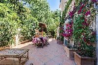 awesome courtyard of Cannes - Mahtari luxury apartment