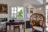 pretty windows of Cannes - Mahtari luxury apartment