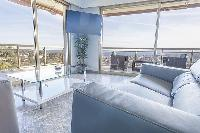 amazing glass walls of Cannes - Soleil