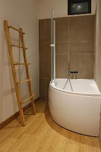 amazing tub in Cannes - Les Moufflets luxury apartment