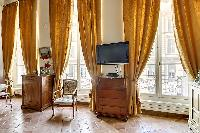mix of the classic and contemporary charm 2-bedroom Paris luxury apartment