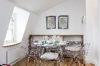awesome dining area in London Kings Cross 2BR Penthouse luxury apartment