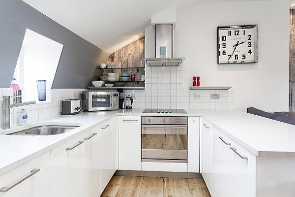 spacious, well-appointed London Kings Cross 2BR Penthouse luxury apartment
