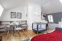 cool open living room of London King's Cross 2-BR Penthouse luxury apartment