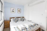 quaint bedroom of London King's Cross 2-BR Penthouse luxury apartment