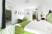 clean and fresh bedding in Villa Dei D'Armiento luxury apartment