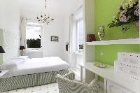 crisp and clean bedroom linens in Villa Dei D'Armiento luxury apartment