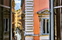 cool neighborhood of Rome - Spanish Steps Charming Lucina luxury apartment
