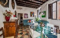 awesome living room of Rome - Spanish Steps Charming Lucina luxury apartment