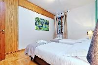 pristine pillows and bed sheets in Rome - Trastevere Dandolo luxury apartment