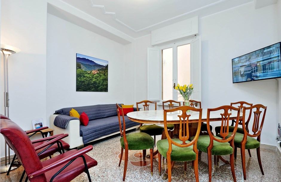 awesome Rome - Charming Dante 3BR luxury apartment and holiday home