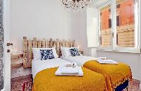 pristine bedding in Rome - Charming Dante 3BR luxury apartment