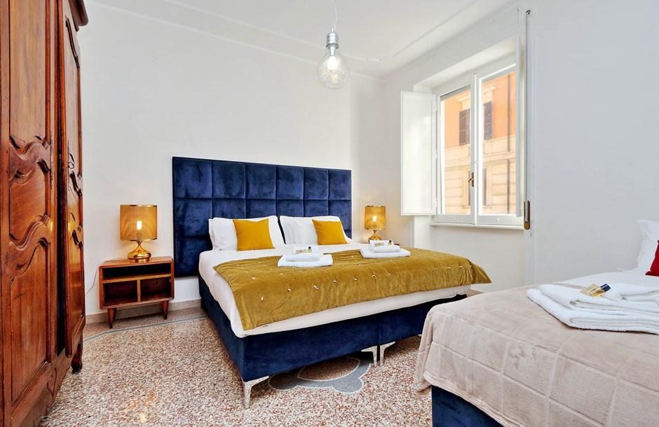 beautiful Rome - Charming Dante 3BR luxury apartment and vacation rental