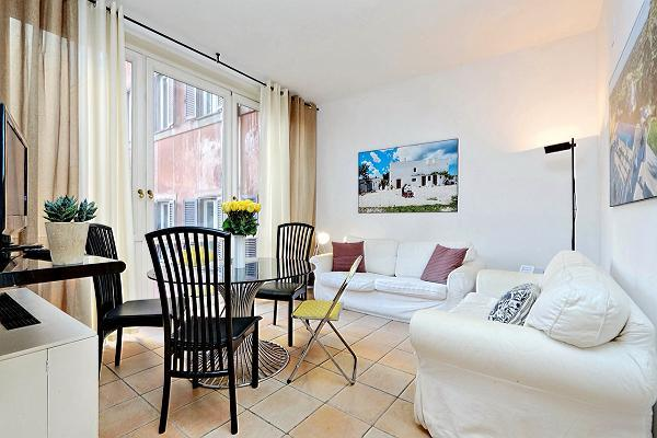 nice Rome - Trevi Fo luxury apartmentuntain 2BR and vacation rental