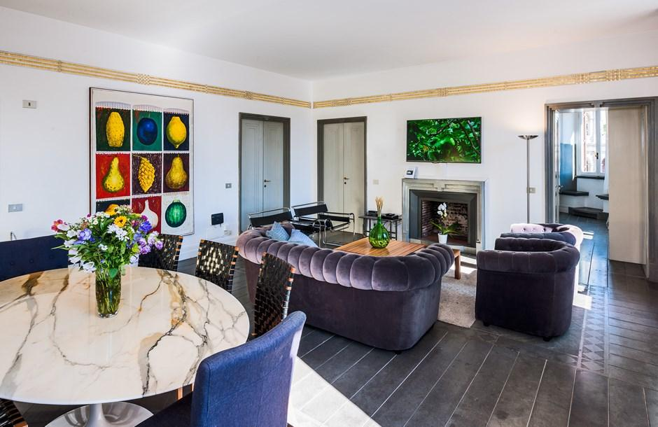 elegant Rome - Colosseum View 5BR luxury apartment and holiday home