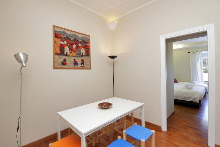 nice dining area in Rome - Colosseum 2BR luxury apartment