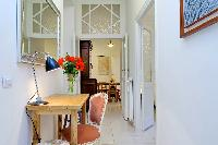 tasteful furnishings in Rome - Charming Vatican Museums 3BR luxury apartment