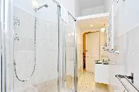 fresh and clean bathroom in Rome - Charming Vatican Museums 3BR luxury apartment