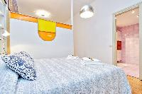 fresh and clean bedroom linens in Rome - Grand Trevi Fountain luxury apartment