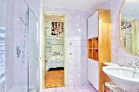 fresh and clean toilet and bath in Rome - Grand Trevi Fountain luxury apartment