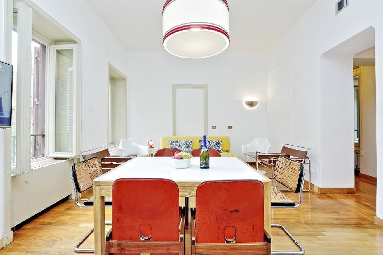 delightful dining area in Rome - Grand Trevi Fountain luxury apartment