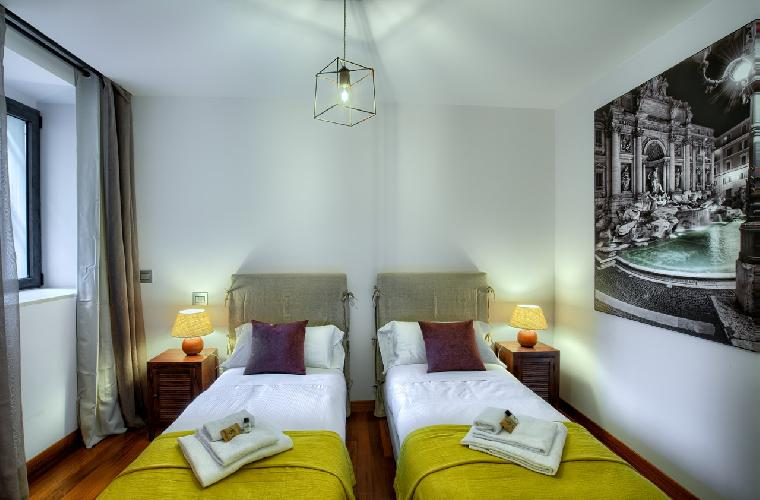 charming Rome - Charming Urbana Colosseum luxury apartment and vacation rental